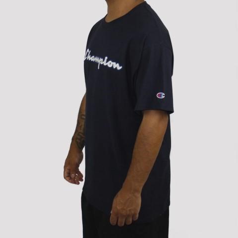 Camiseta Champion Logo Manuscrito - Azul Marinho