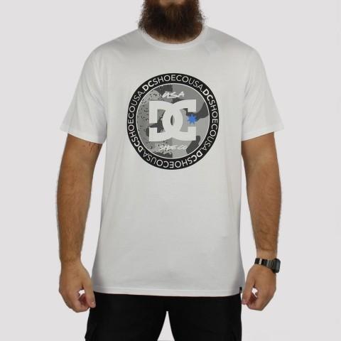 Camiseta DC Shoes Divide And Conquer Branca