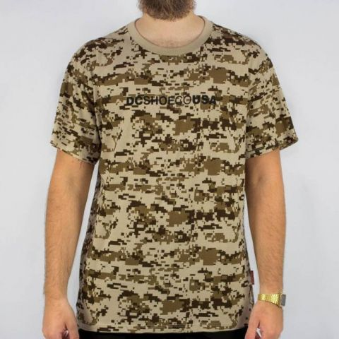 Camiseta DC Shoes Esp Iqui - Camuflada/Marrom