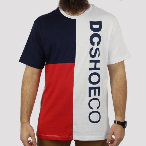 Camiseta DC Shoes Especial Mawson - Marinho/Branca/Vermelha