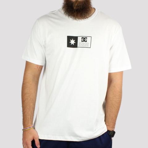 Camiseta DC Shoes Flag Box - Branco