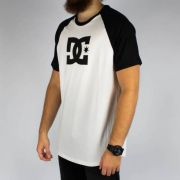 Camiseta DC Shoes Star Raglan Branca/Preta