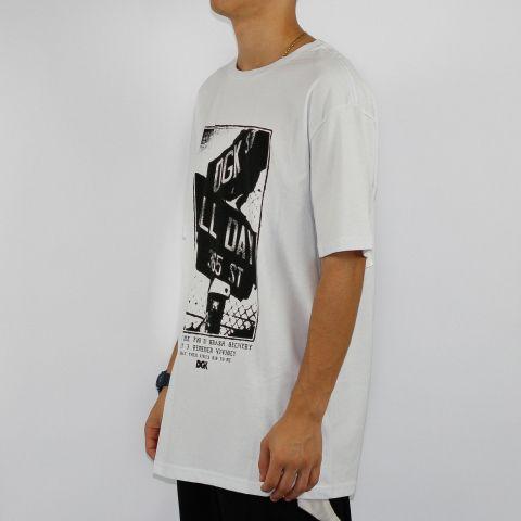 Camiseta DGK Streets - Branca