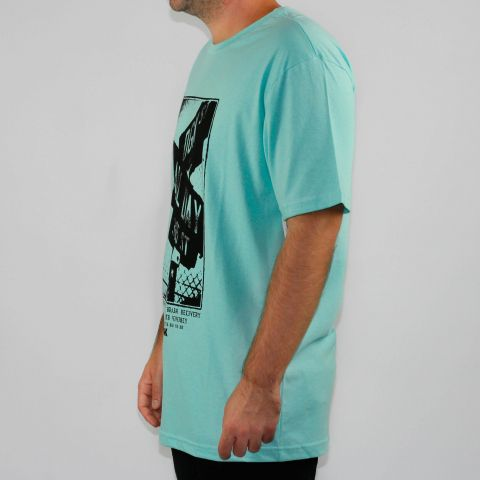 Camiseta DGK Streets - Celadon Verde Água