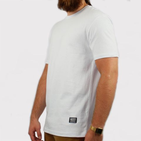 Camiseta Grizzly Tagless - White/Branca