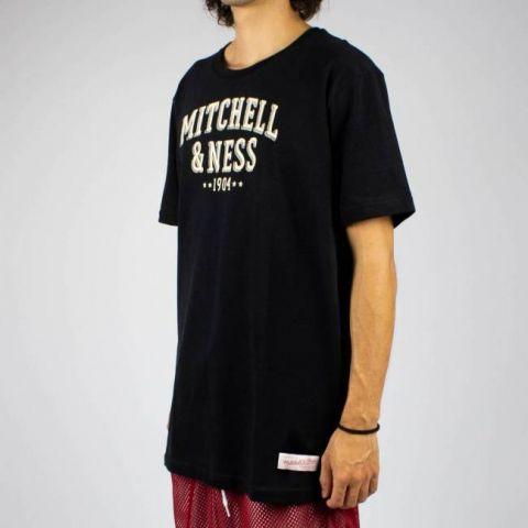 Camiseta Mitchell & Ness 1904 - Preta/Branca