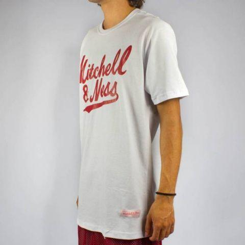Camiseta Mitchell & Ness Assinatura - Branca/Vermelho