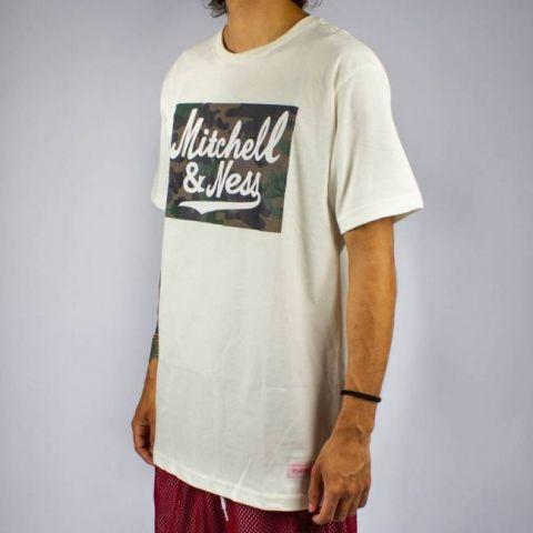 Camiseta Mitchell & Ness - Branca/Camuflada
