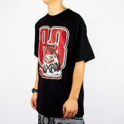 Camiseta Pixa In Sneaker 83 Preto/Vermelha/Branca