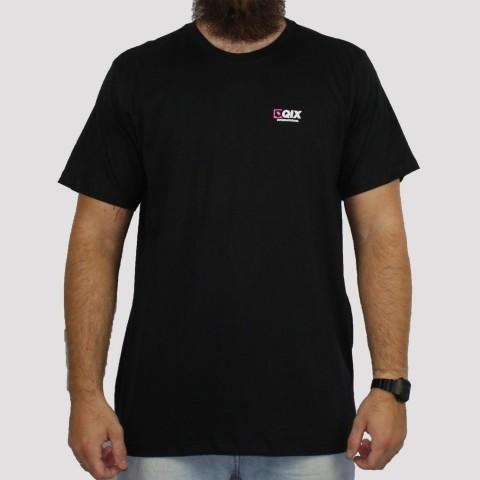 Camiseta Qix Logo Rosa - Preto
