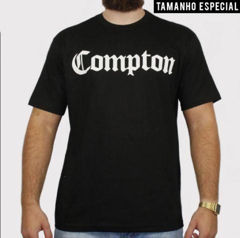 Camiseta XXL Comptom - Preta (Tamanho especial)