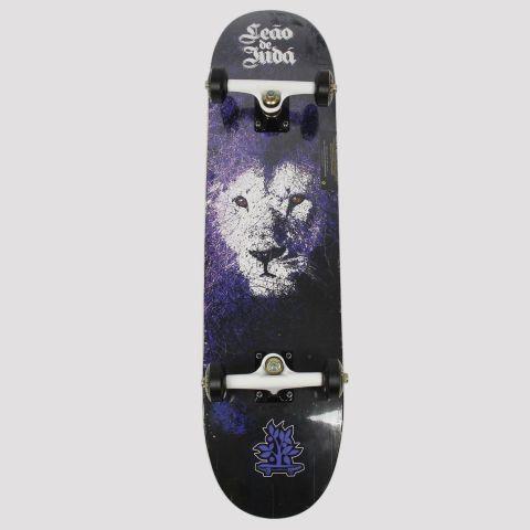 Skate Montado WoodLight Leão de Judá - Preto/Roxo/Branco