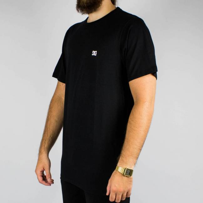 Camiseta DC Shoes Básica Slim - Preta
