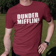 Camiseta Dunder Mifflin Vinho