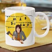 Caneca Mãe do Ano Joyce Byers Stranger Things