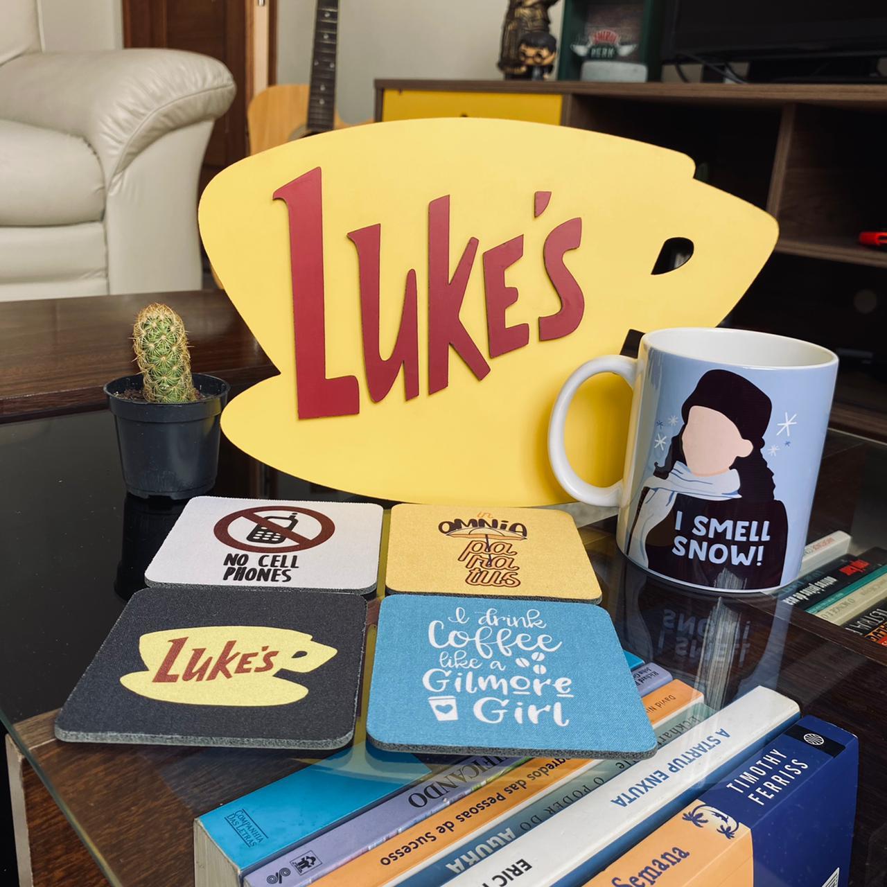 Kit Gilmore Girls Placa Alto Relevo + Caneca + Kit de Porta Copos