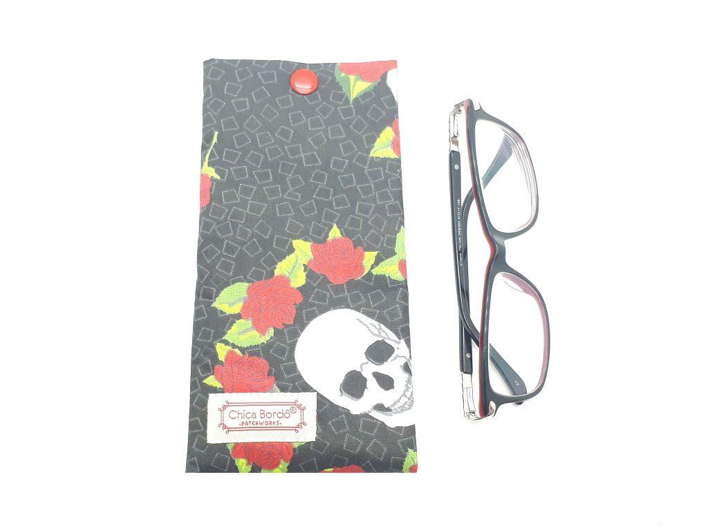 Porta Óculos Caveira com Rosas Chica Bordô 02