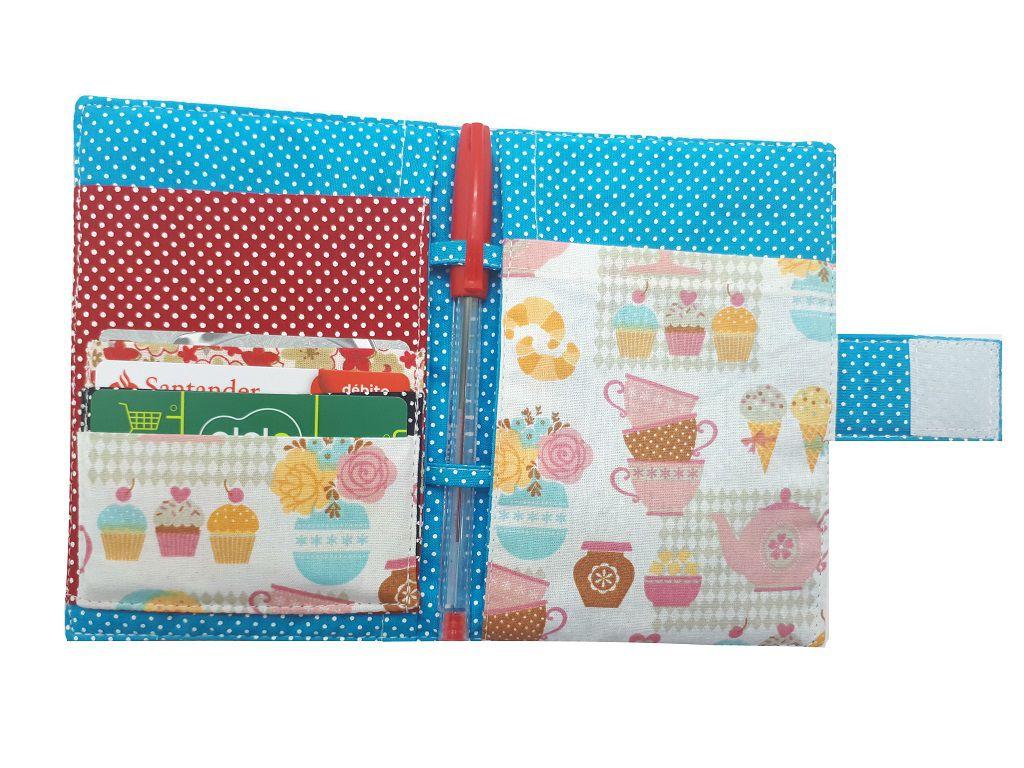Porta Passaporte Cupcake e Sorvetes Chica Bordô 0213