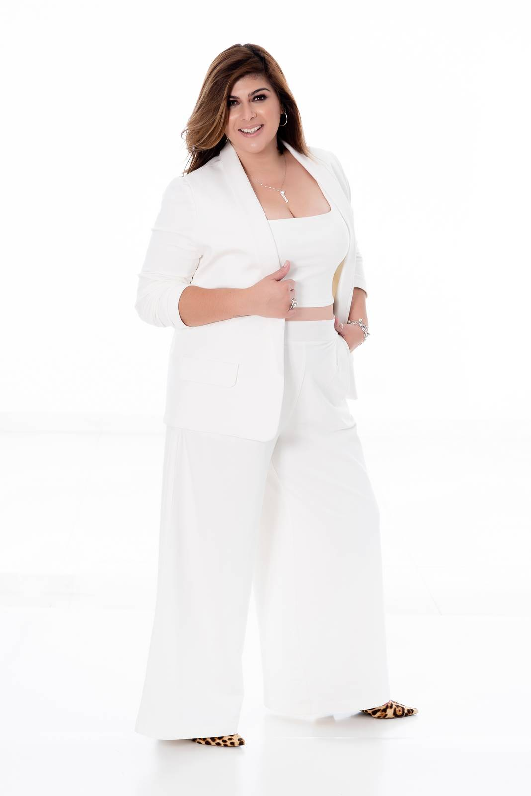 PANTALONA PLUS SIZE COM PREGA OFF WHITE