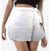 Shorts Saia com Flor