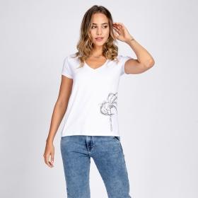 Blusa T-Shirt Decote V Estampa Coqueiro à Mão