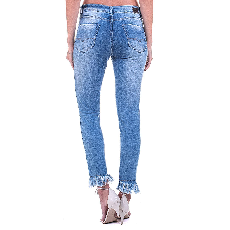 Calça Jeans Bloom Cigarrete Destroyed Com Franjas na Barra Azul