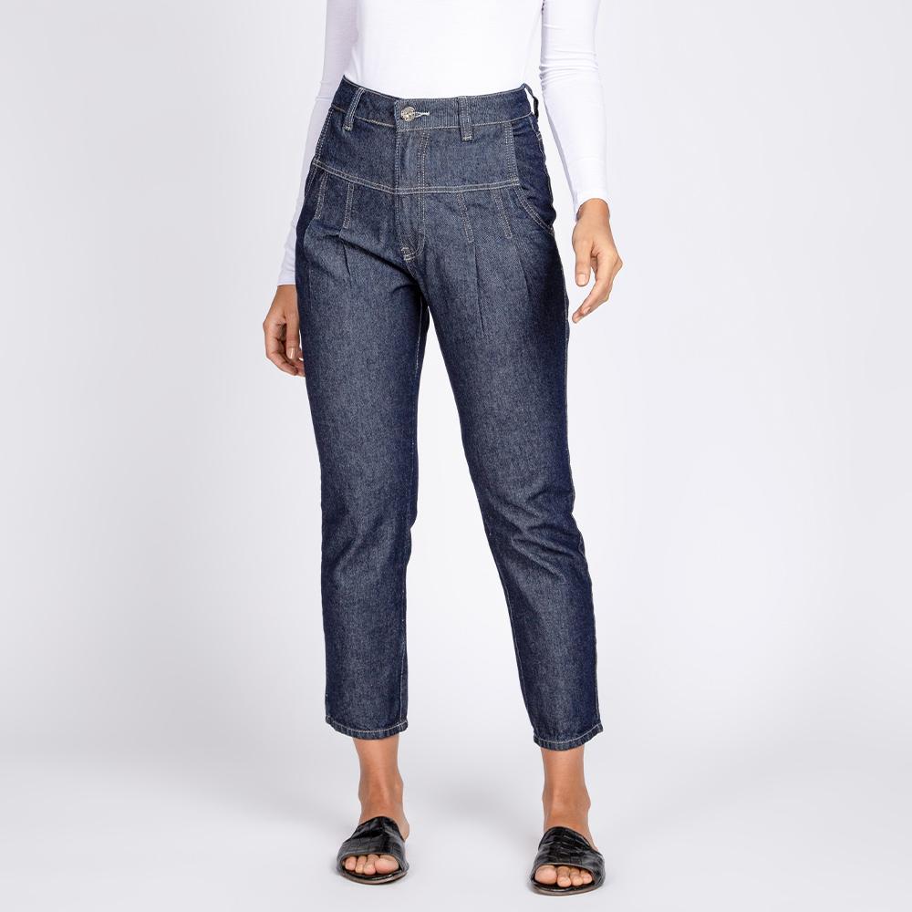 Calça Jeans Mom Recortes e Pregas Cor Azul Escuro