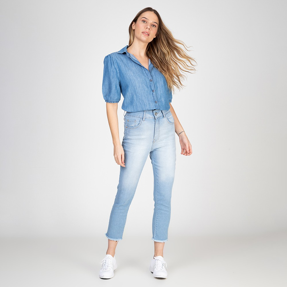 Camisa Jeans Leve Cropped Bufante Delavê