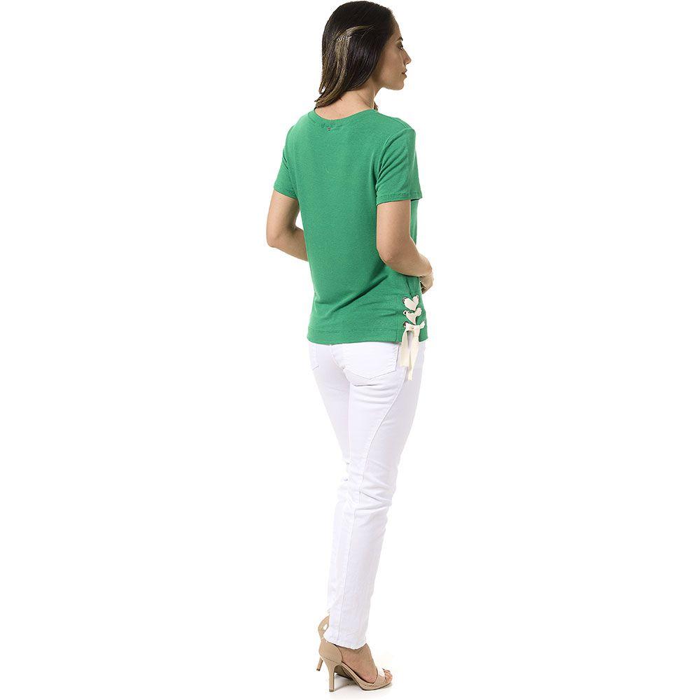 T-Shirt Ilhos e Amarração Lateral