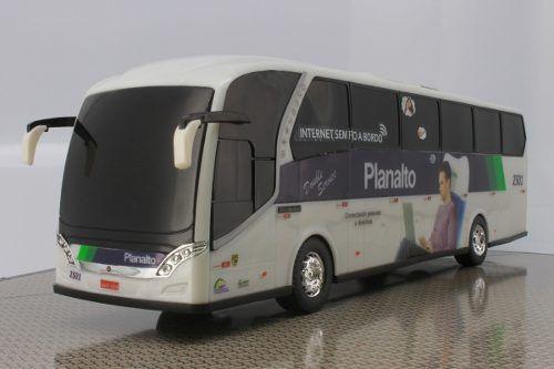 Ônibus Em Miniatura De Brinquedo Planalto
