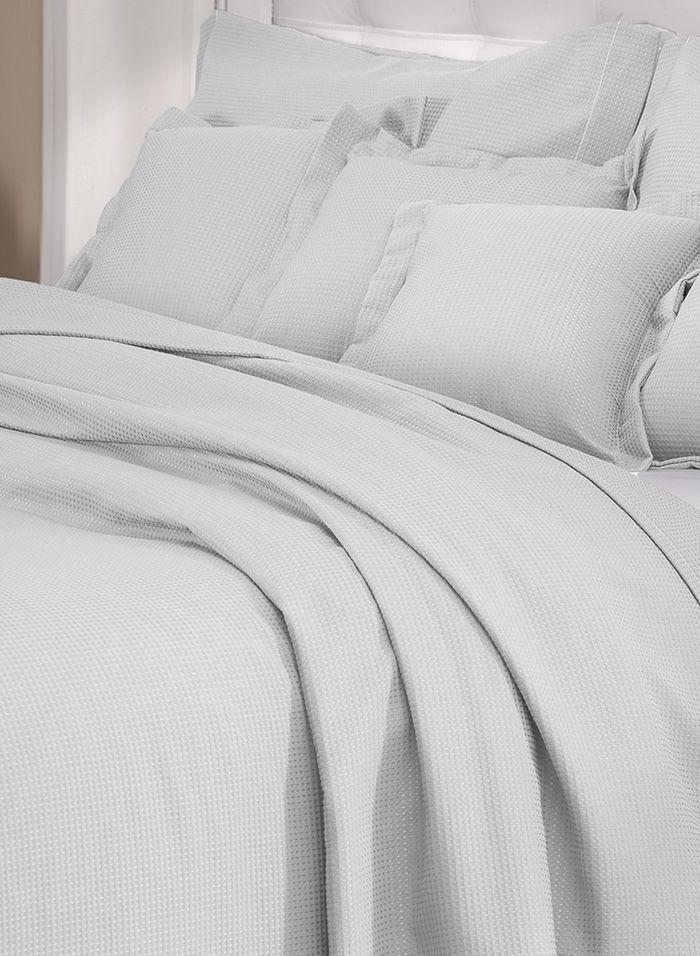 Colcha cobre leito de solteiro branca lisa com porta travesseiros