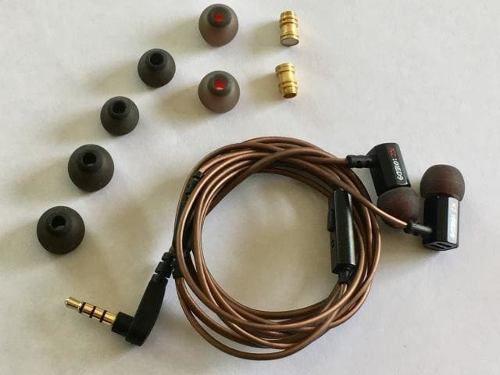 Fone de Ouvido Profissional Original KZ ED9 In-Ear HiFi HQ Alta Qualidade - Acabamento em Metal e 2 Câmaras Acústicas Extras - Para Retorno de Palco ou Celular