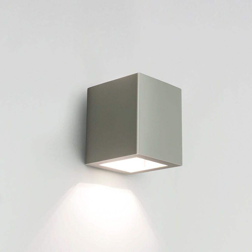Arandela LED Newline 9588LED1 Quadrada Externa 1 Facho IP43 6W 2700K 127v 85x103x92mm