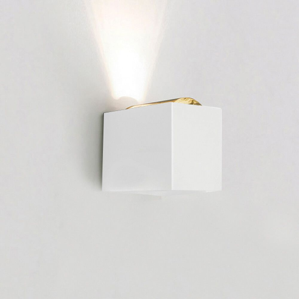 ARANDELA LED NEWLINE SNT024LED2 LENS LENTE/FECHADO 12W 2700K 220V 85X111X92MM