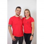 NAMORADOS > Kit 02 Peças T-Shirt Henley Vermelho - Masculina + Feminina [Coleção Namorados]