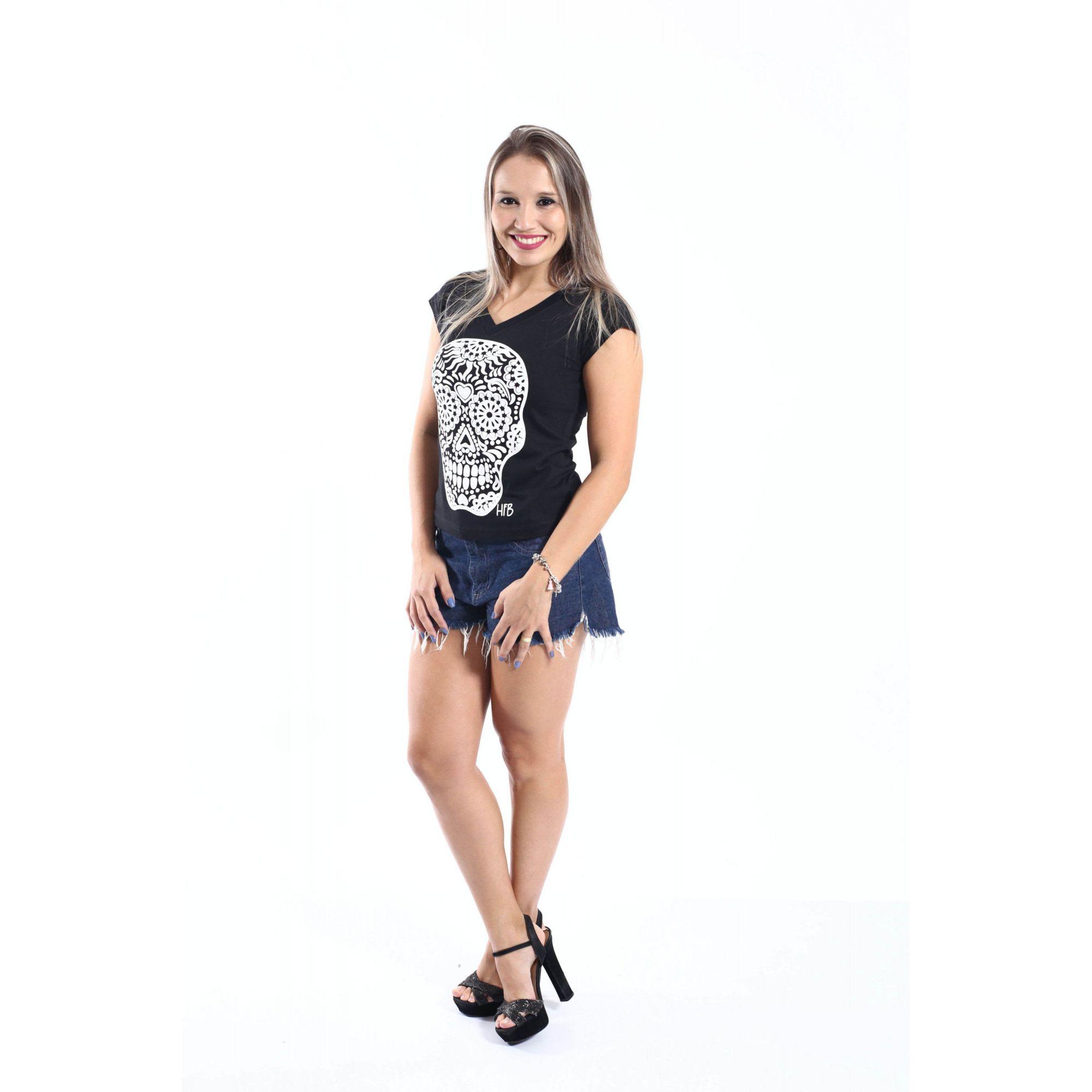 Camiseta Feminina Preta Caveira Alto Relevo  - Heitor Fashion Brazil