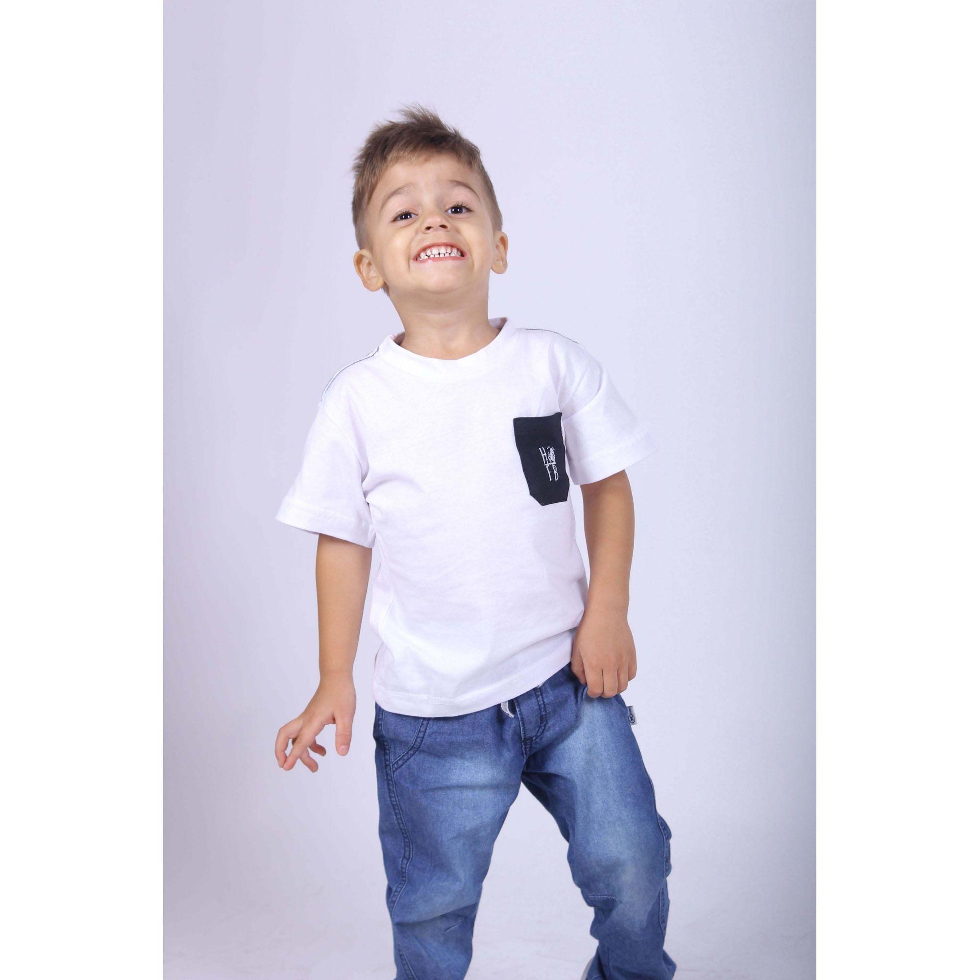 Camiseta Infantil Com Bolso Preto