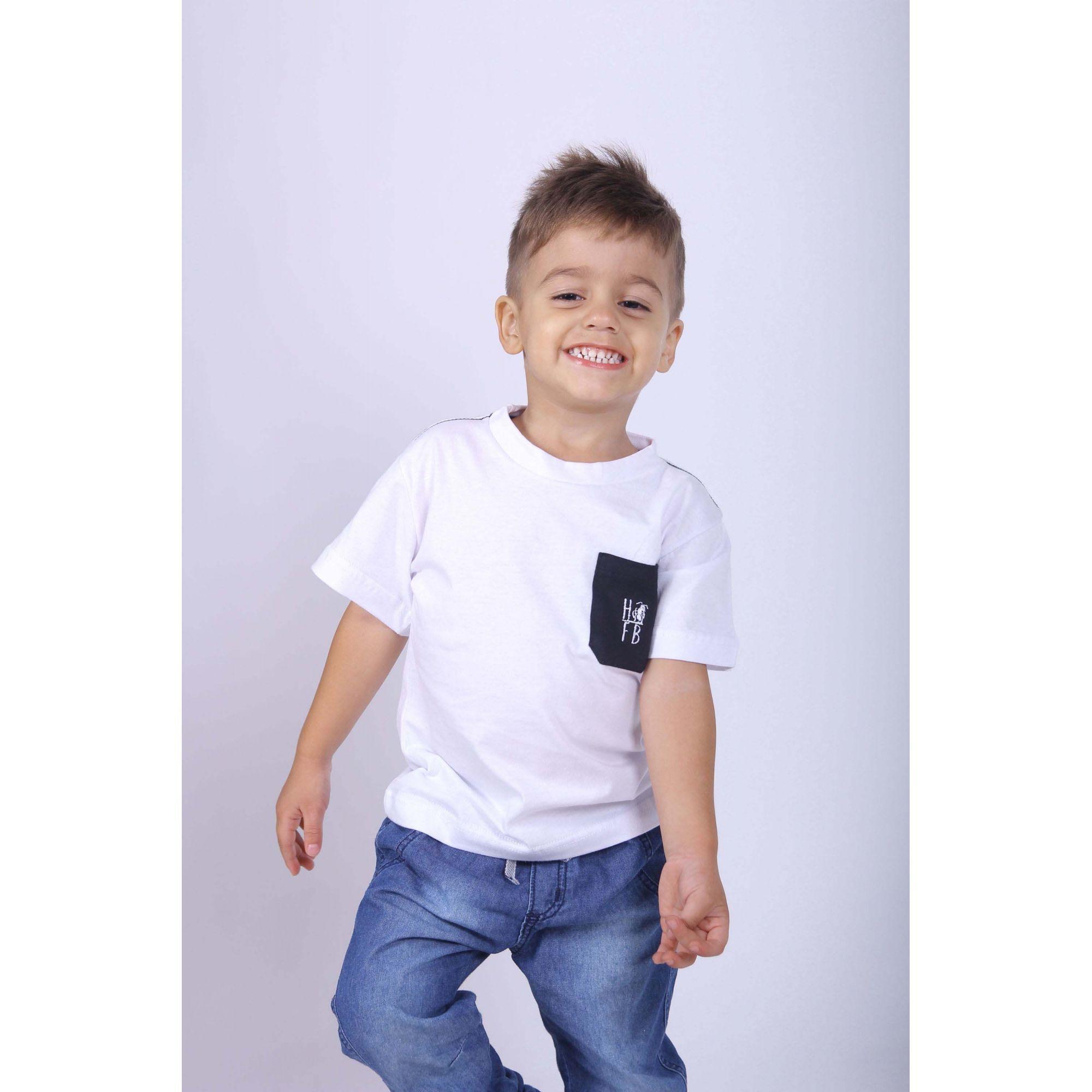Camiseta Infantil Com Bolso Preto  - Heitor Fashion Brazil