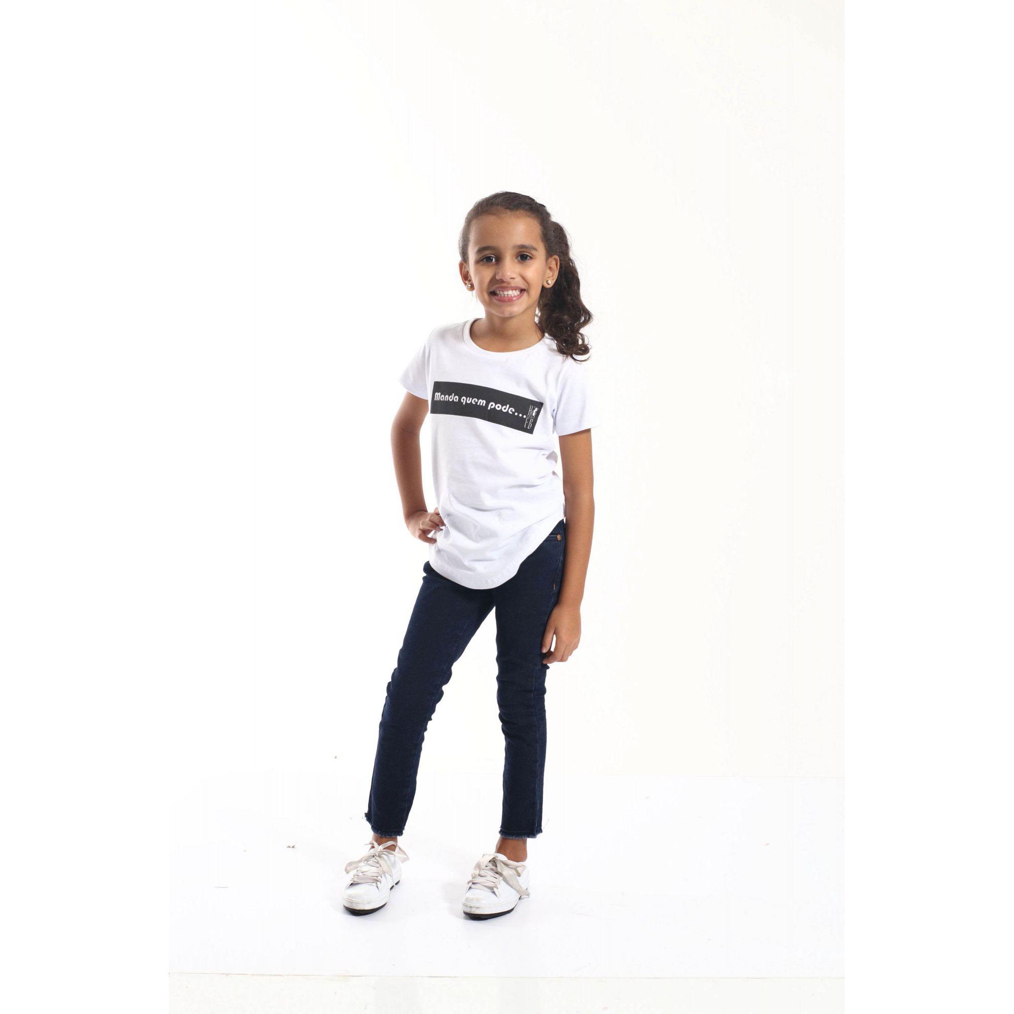 Camiseta Long Preta Infantil Feminina Manda Quem Pode