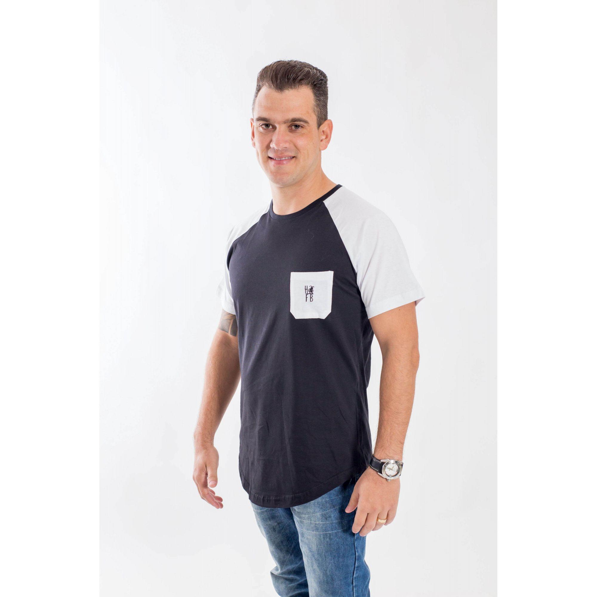 Camiseta Raglan Long Preta Bolso Branco Masculina