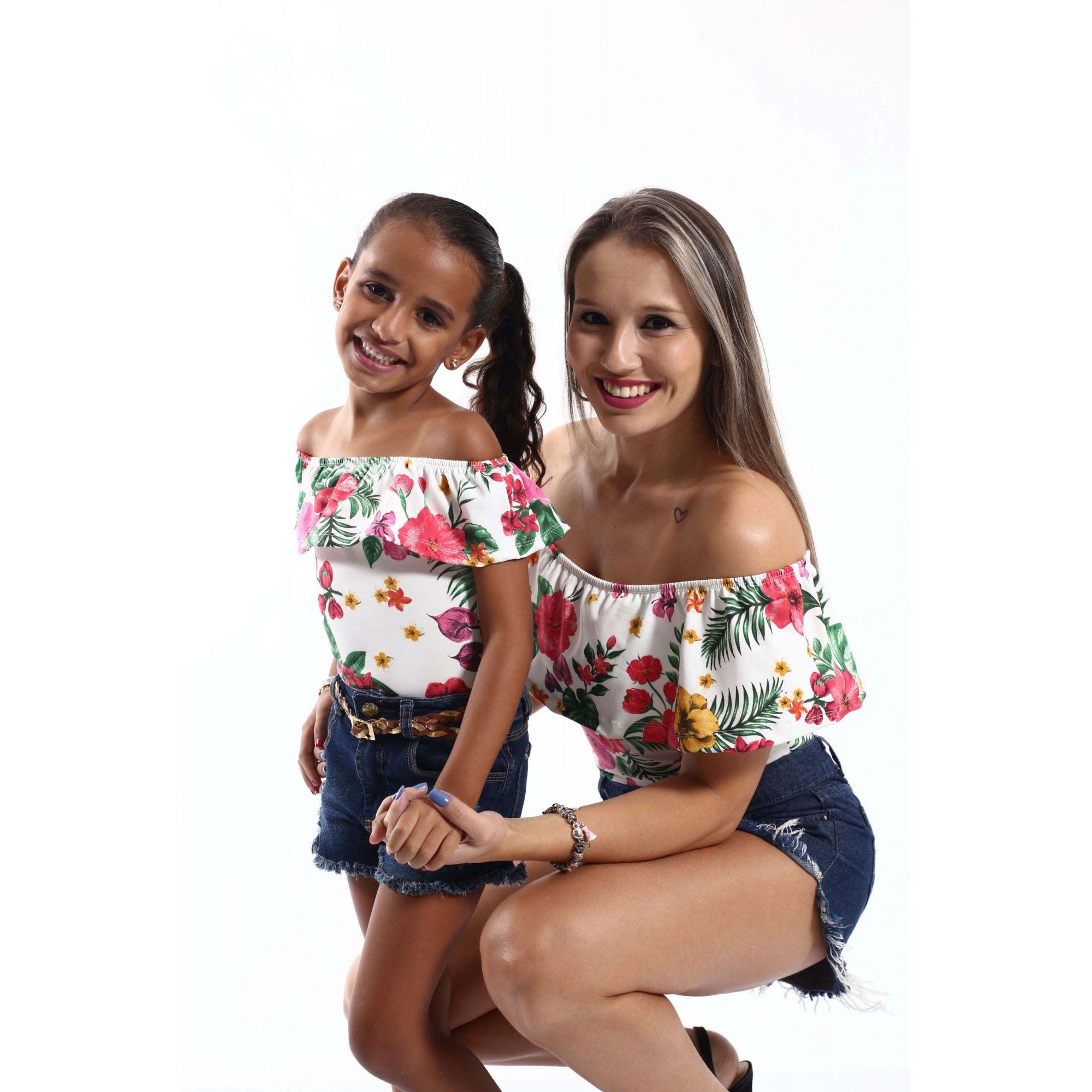 Mãe e Filha > Kit 02 Bodys Femininos Ciganinha Flores  [Coleção Tal Mãe Tal Filha]
