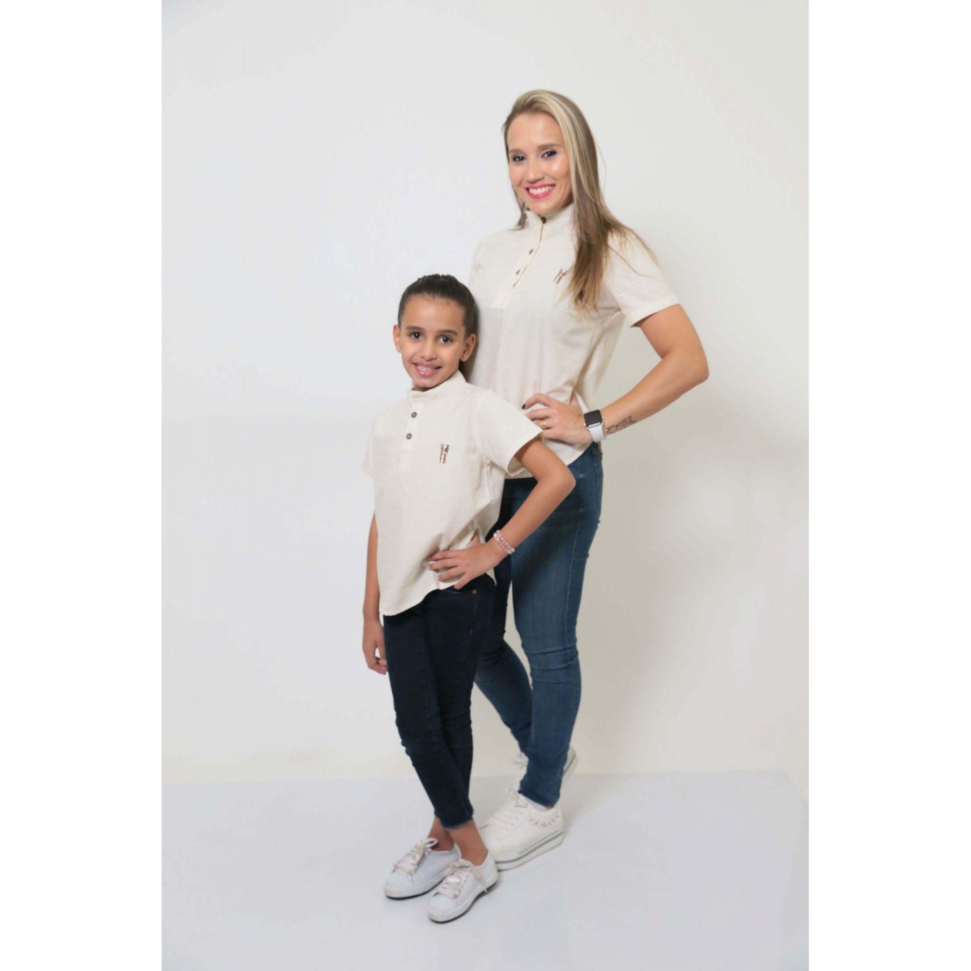 MÃE E FILHA > Kit 02 Camisas Bata - Adulto e Infantil Gola Padre [Coleção Tal Mãe Tal Filha]  - Heitor Fashion Brazil