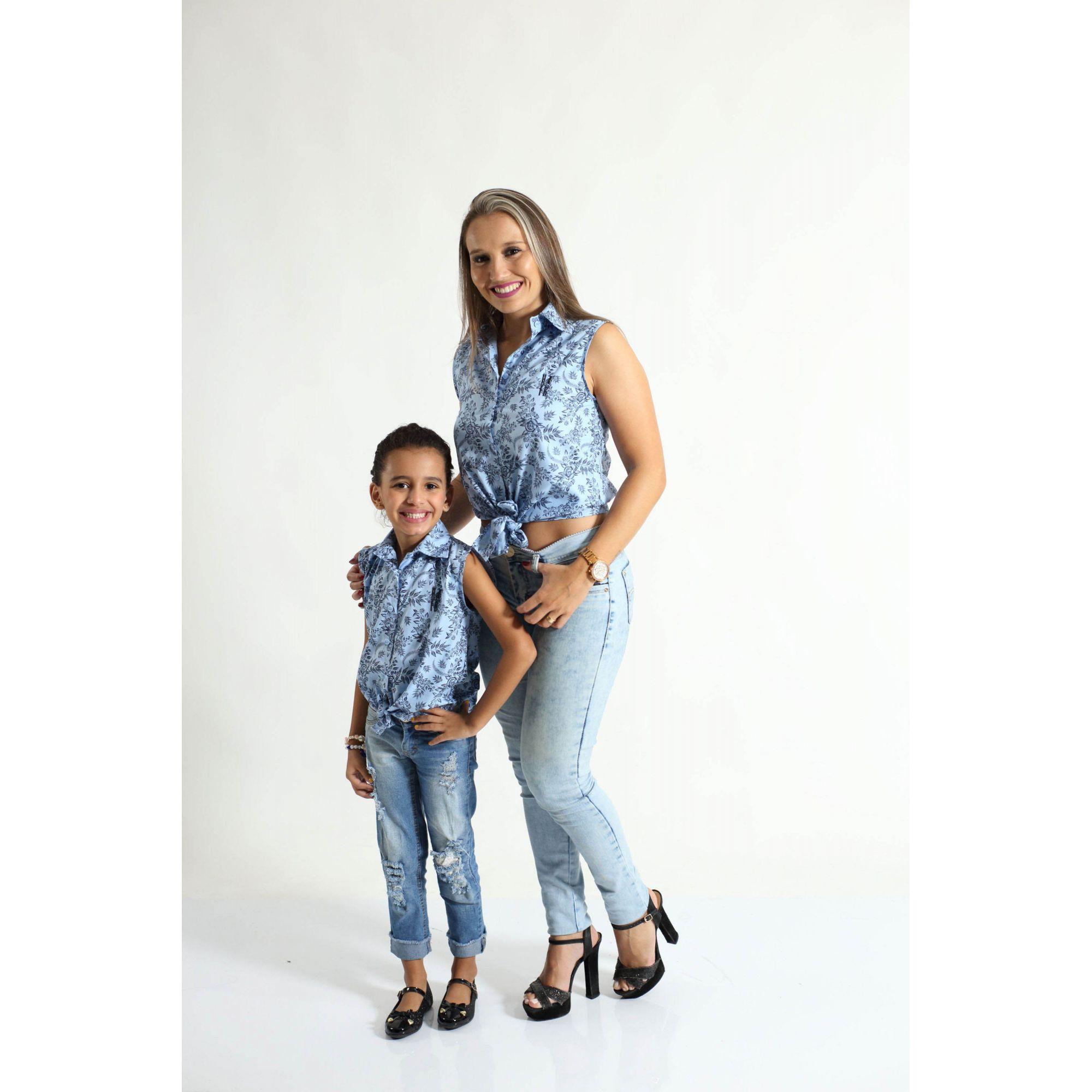MÃE E FILHA > Kit 02 Camisas Social Adulto e Infantil Azul Floral [Coleção Tal Mãe Tal Filha]