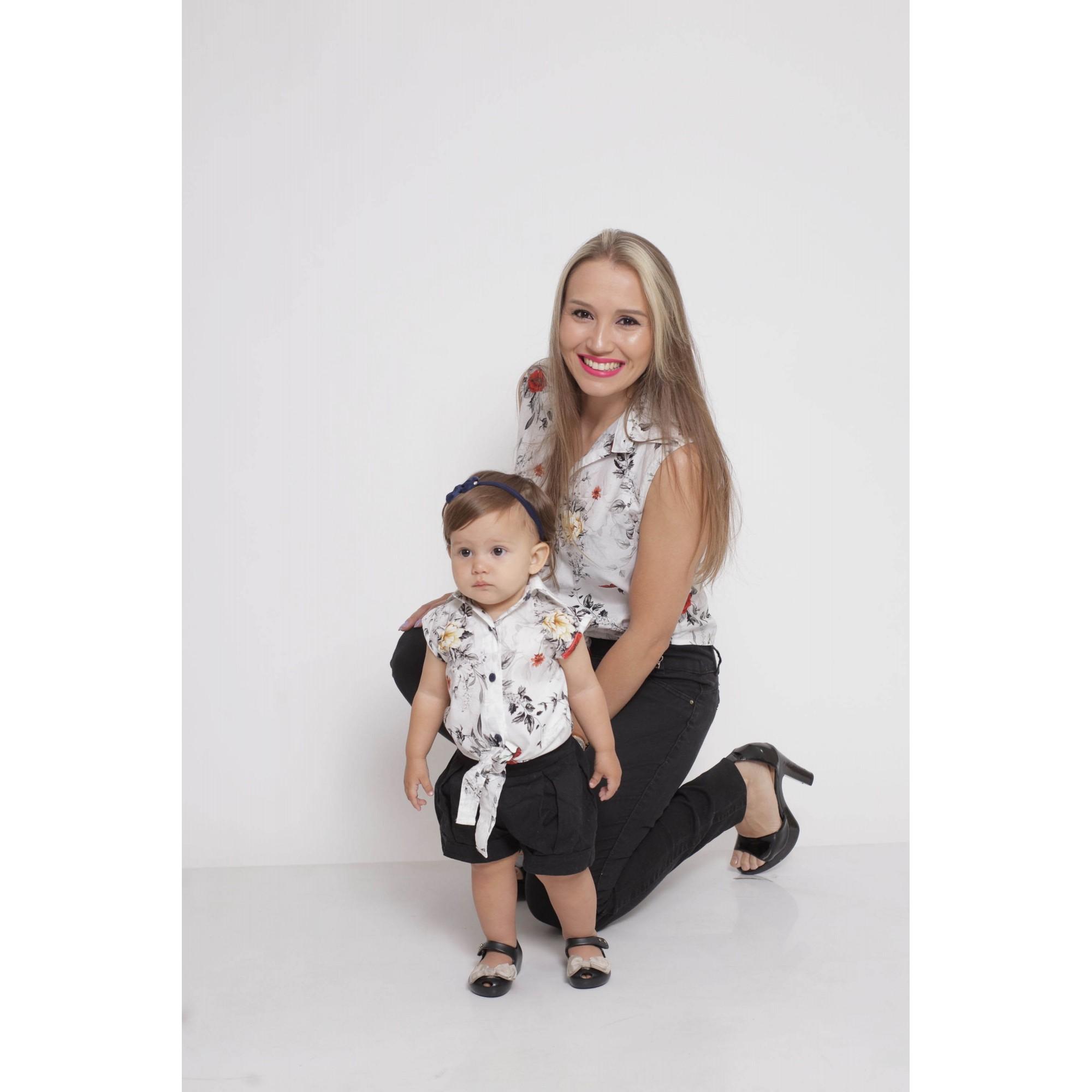 MÃE E FILHA > Kit 02 Camisas Social - Adulto e Infantil Branca Floral [Coleção Tal Mãe Tal Filha]  - Heitor Fashion Brazil