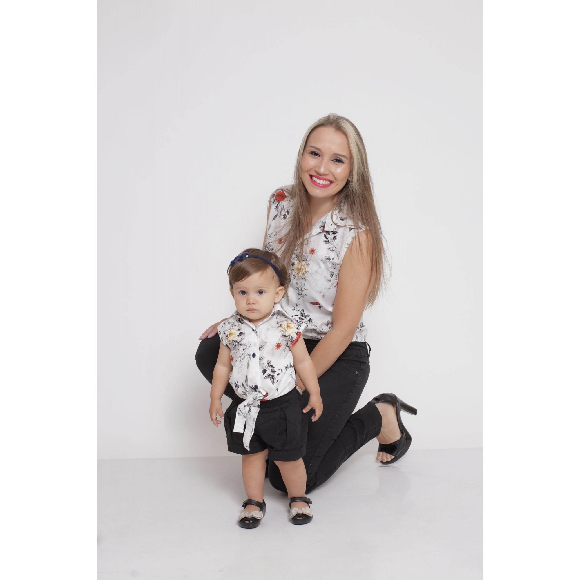 MÃE E FILHA > Kit 02 Camisas Social - Adulto e Infantil Branca Floral [Coleção Tal Mãe Tal Filha]