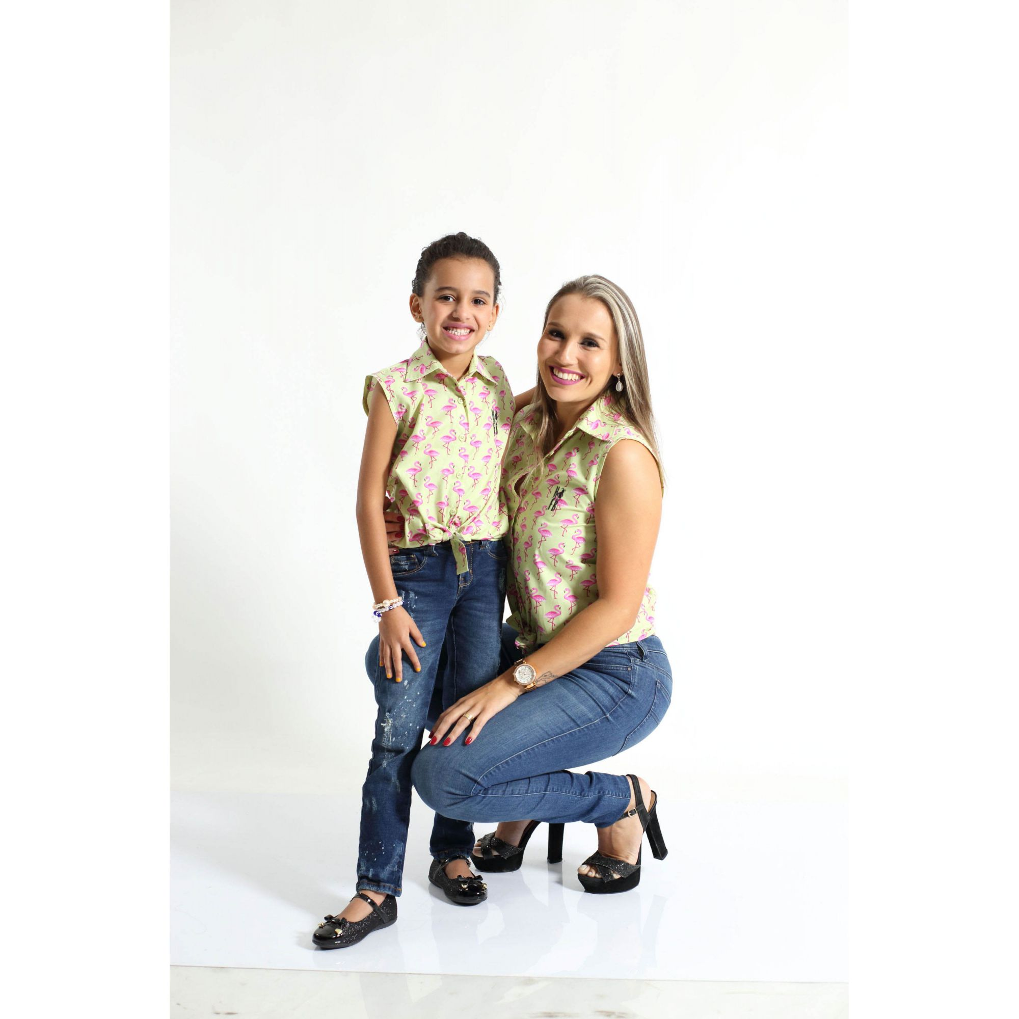 MÃE E FILHA > Kit 02 Camisas Social Adulto e Infantil Flamingos [Coleção Tal Mãe Tal Filha]