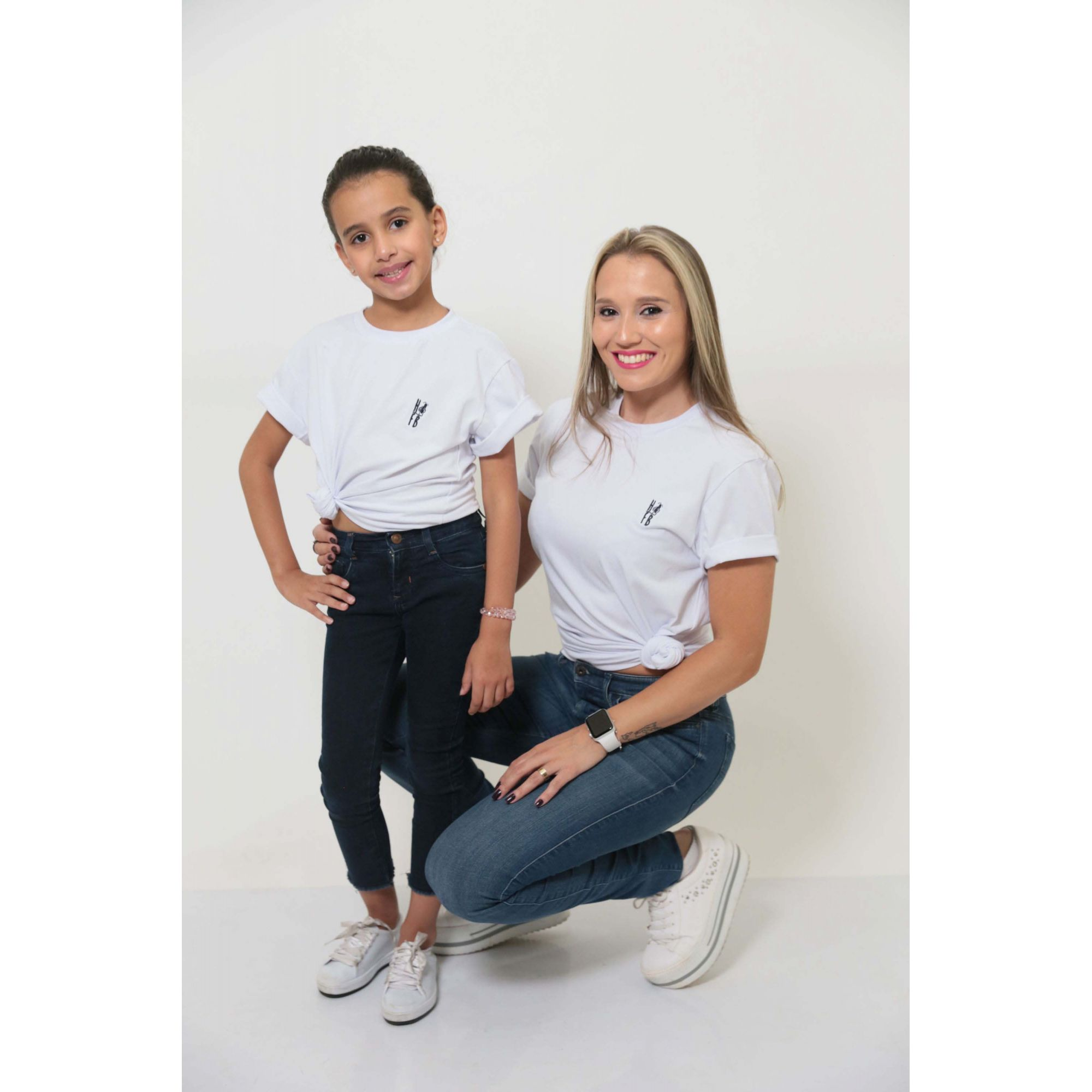 MÃE E FILHA > Kit 02 Peças T-Shirts - Branca Unissex [Coleção Tal Mãe Tal Filha]  - Heitor Fashion Brazil