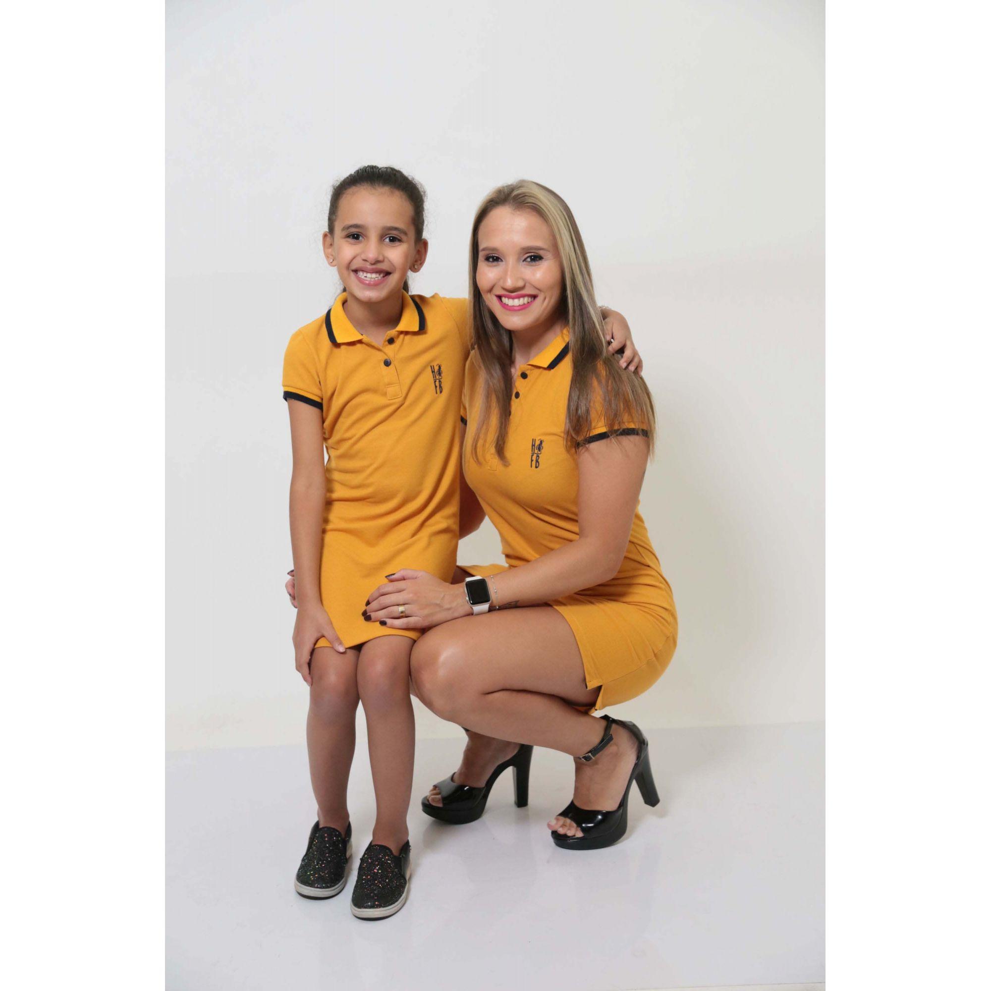 MÃE E FILHA > Kit 02 Vestidos Adulto e Infantil Mostarda [Coleção Tal Mãe Tal Filha]  - Heitor Fashion Brazil