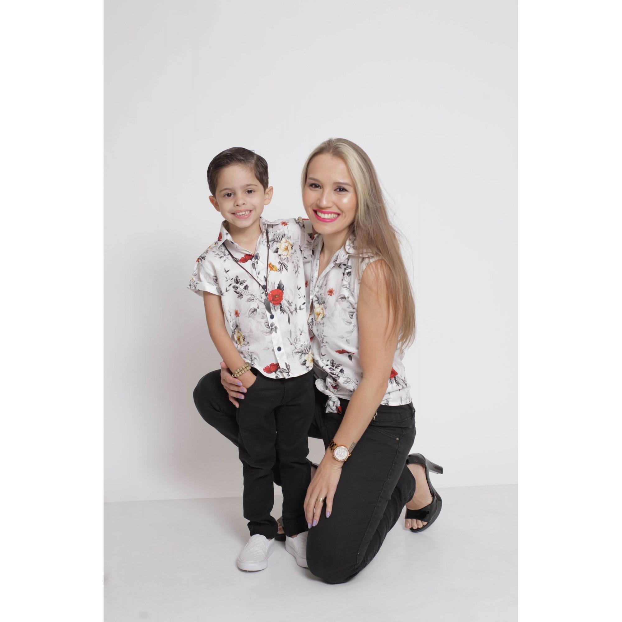 MÃE E FILHO > Kit 02 Camisas Social - Adulto + Infantil Branca Floral [Coleção Tal Mãe Tal Filho]  - Heitor Fashion Brazil