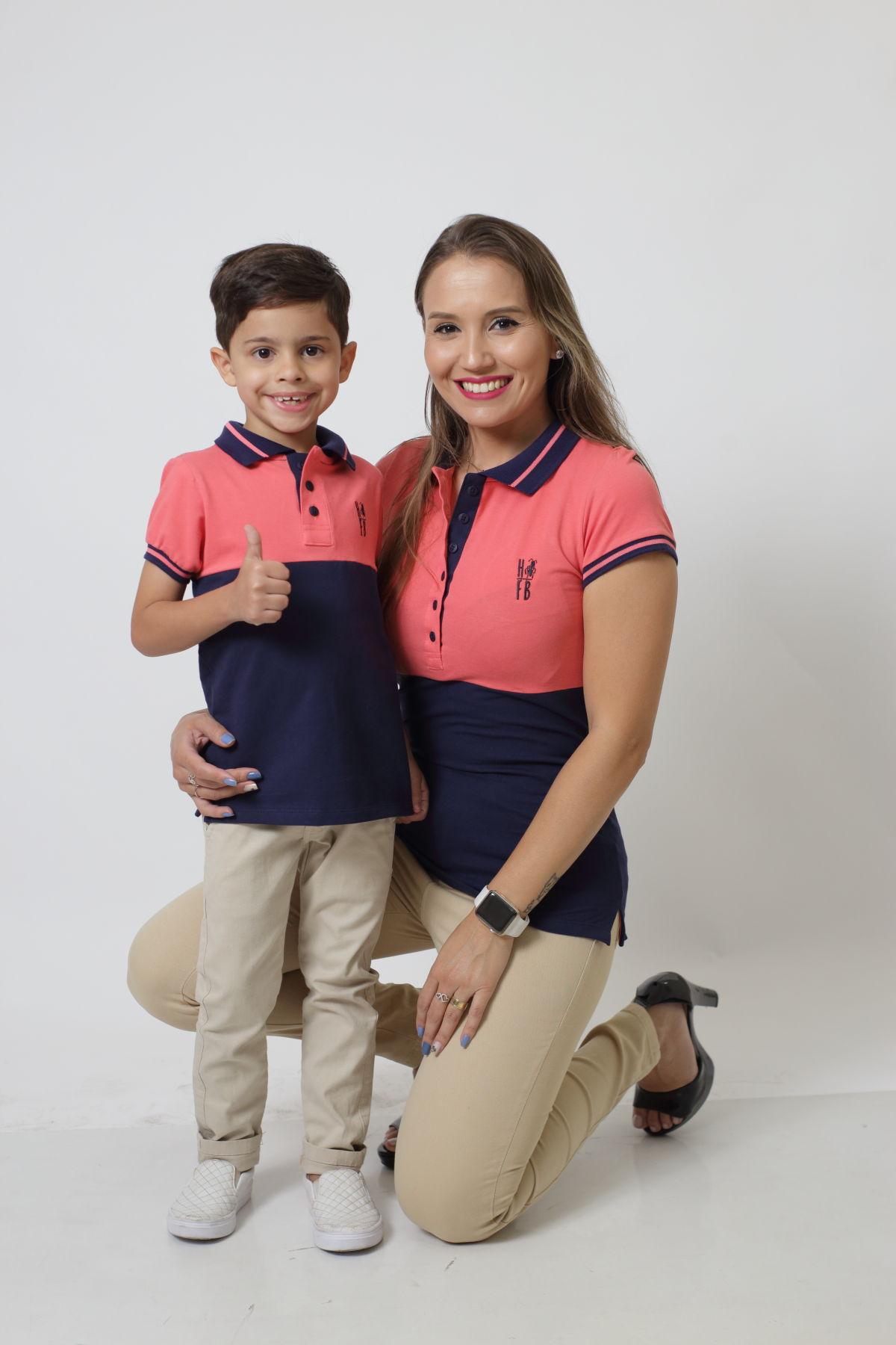 MÃE E FILHO > Kit 02 peças - Camisas ou Body Polo Goiaba com Marinho PREMIUM